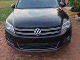 亚博在线注册车出售12年大众途观SUV