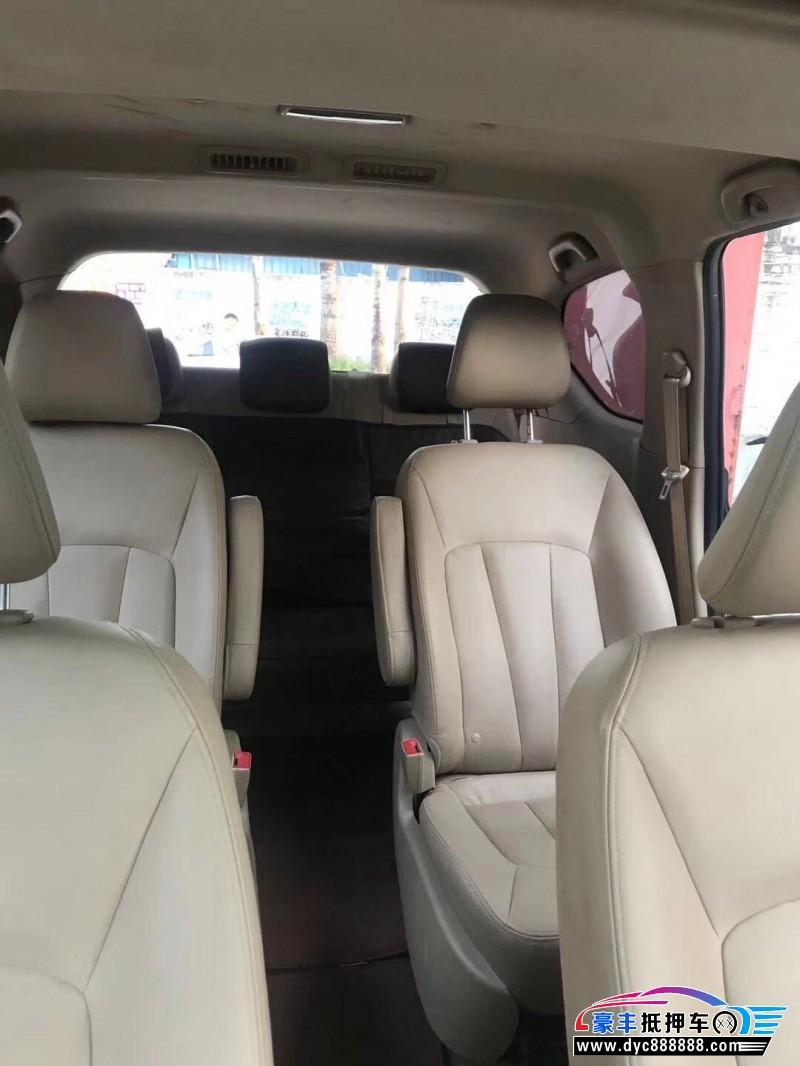 抵押车出售15年宝骏730MPV