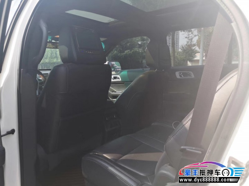 15年福特探险者SUV抵押车出售