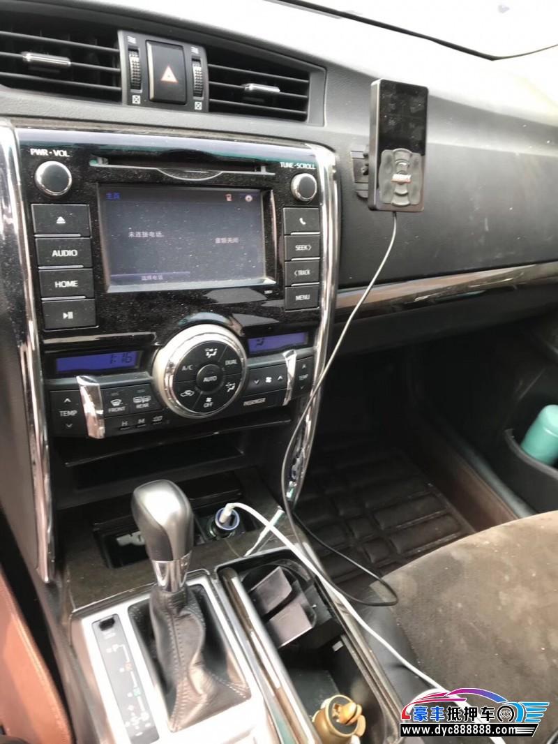 14年丰田锐志轿车抵押车出售