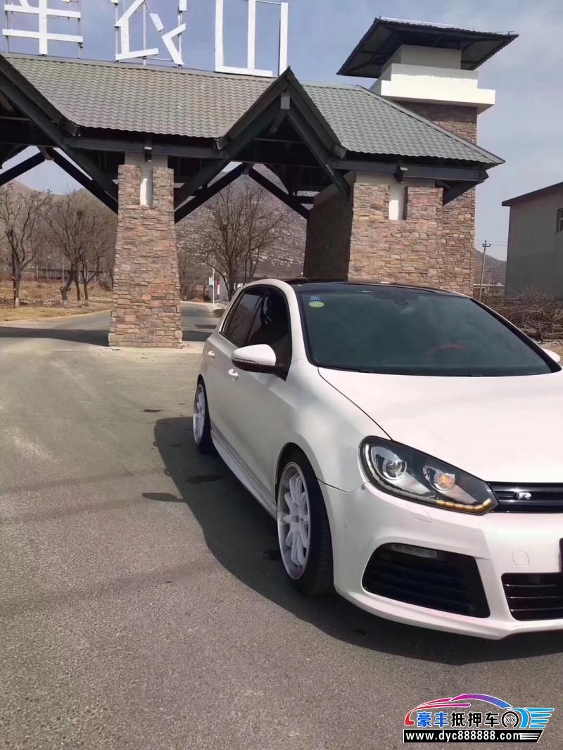 12年大众高尔夫轿车抵押车出售