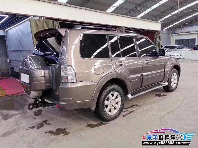 12年三菱帕杰罗SUV抵押车出售