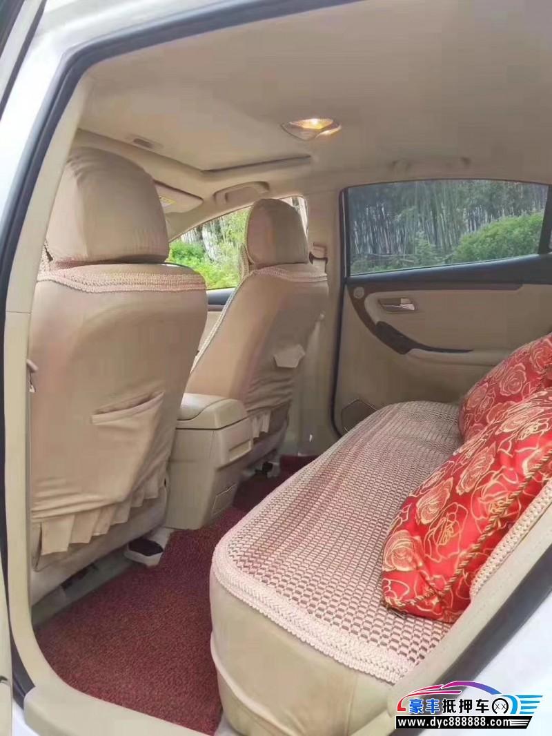 抵押车出售18年海马海马M3轿车