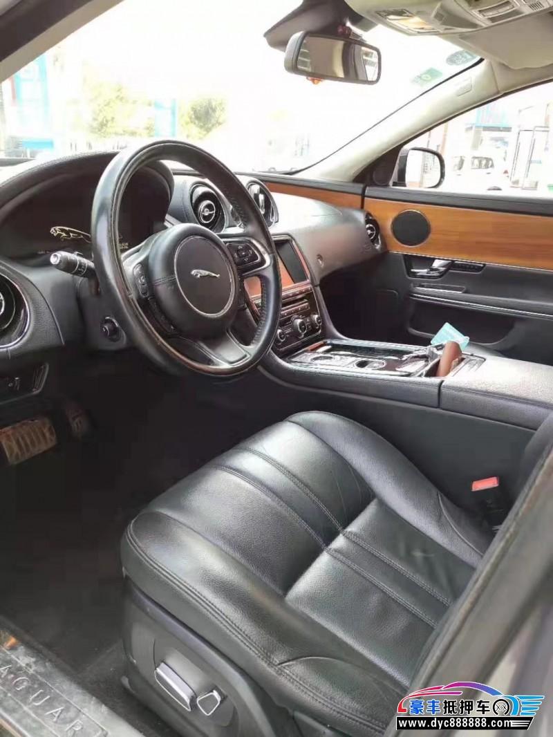 13年捷豹XJ轿车抵押车出售