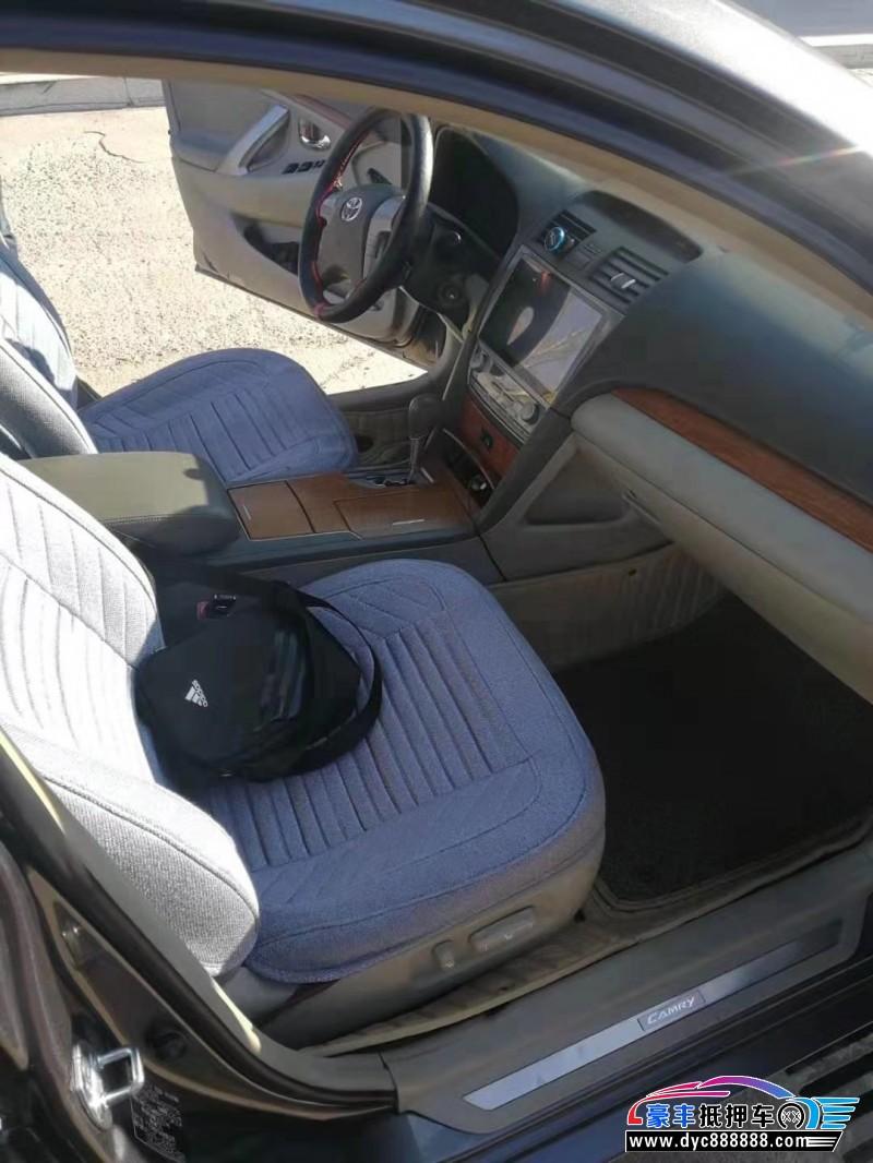 抵押车出售10年丰田凯美瑞轿车