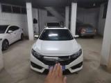 抵押车出售18年本田思域轿车