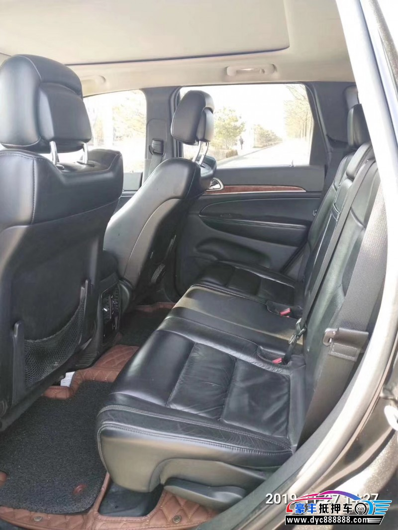 抵押车出售11年Jeep大切诺基SUV