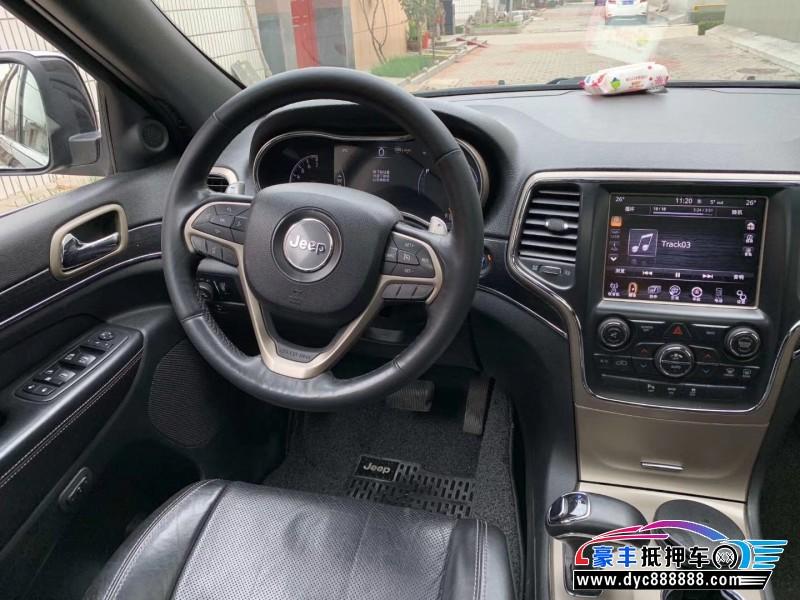 抵押车出售13年Jeep大切诺基MPV