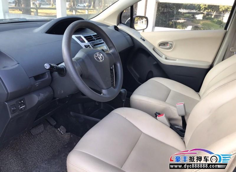 11年丰田雅力士轿车抵押车出售
