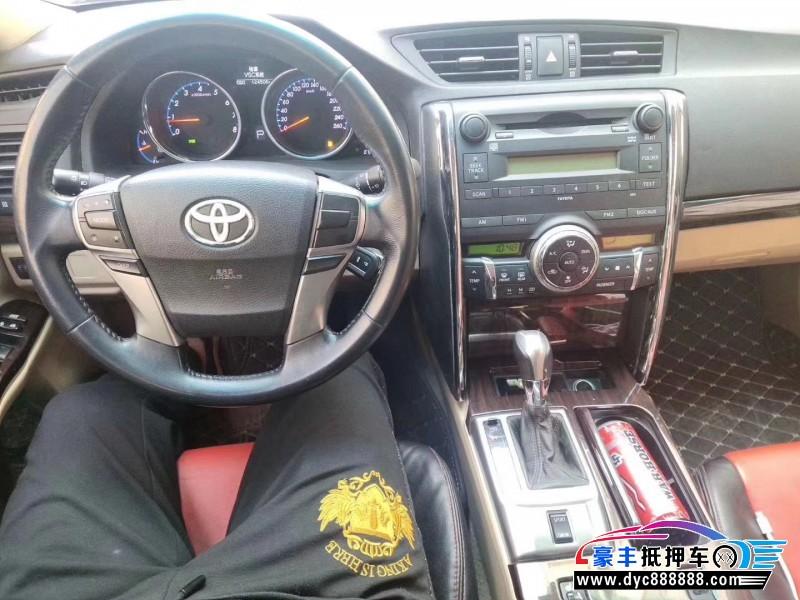 11年丰田锐志轿车抵押车出售