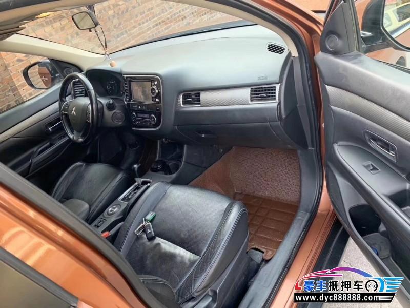13年三菱欧蓝德SUV抵押车出售
