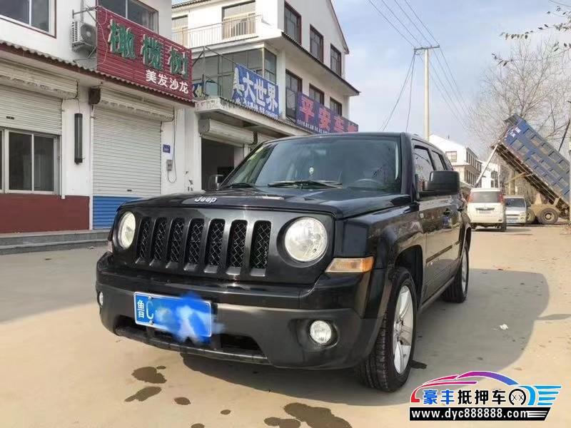 14年Jeep自由客SUV抵押车出售