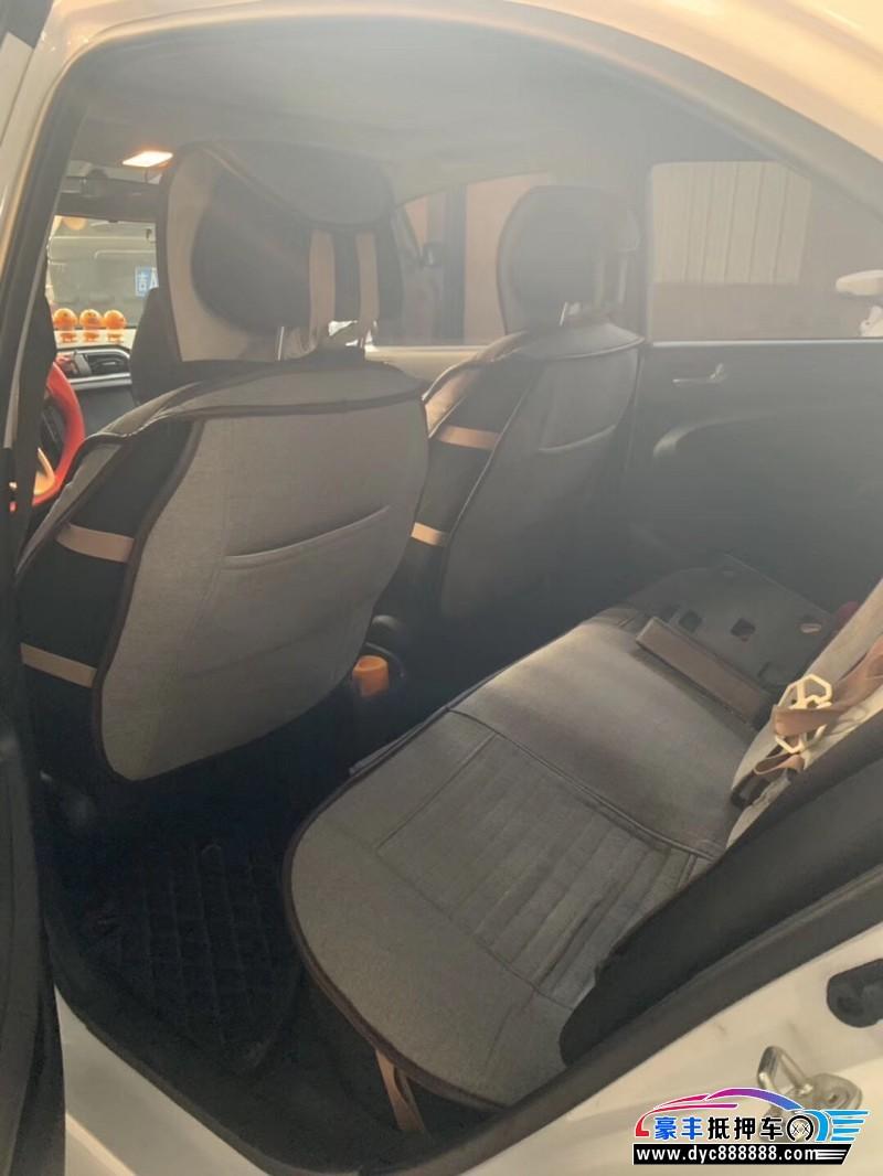18年现代瑞纳轿车抵押车出售