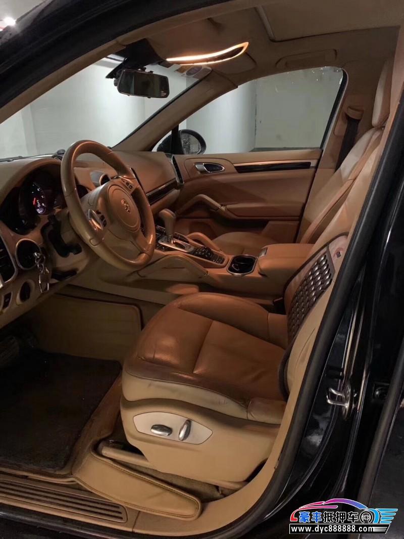 抵押车出售13年保时捷卡曼SUV