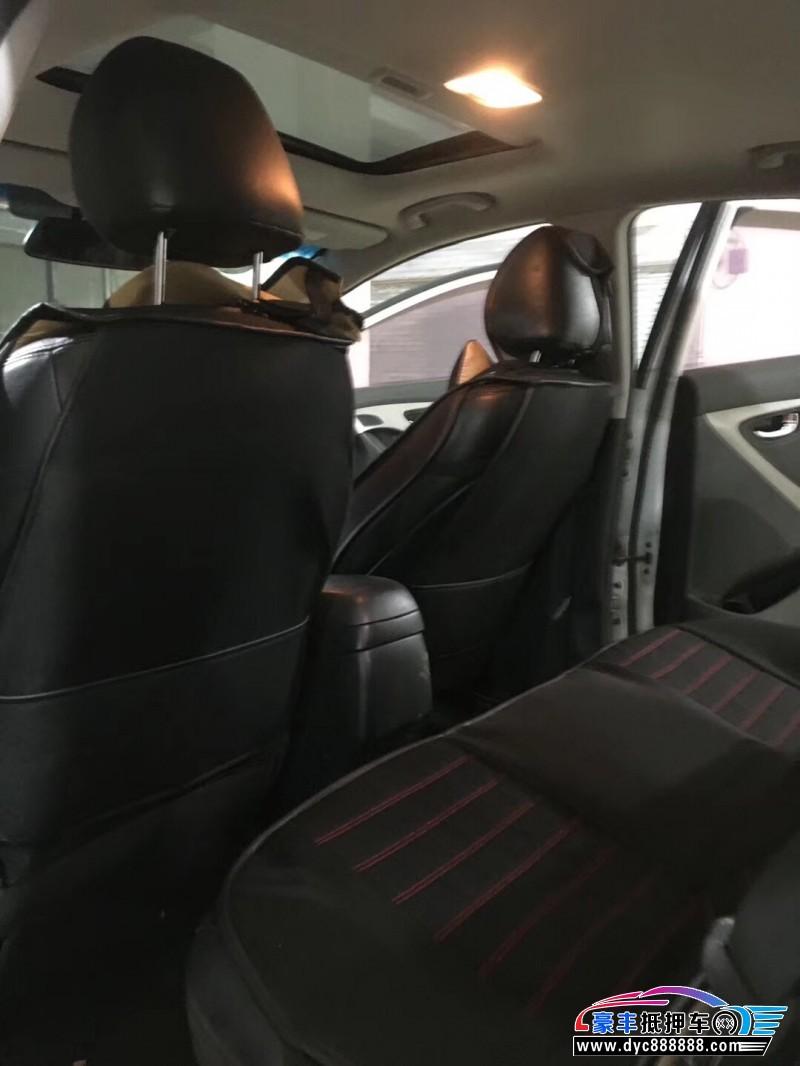 抵押车出售14年现代朗动轿车