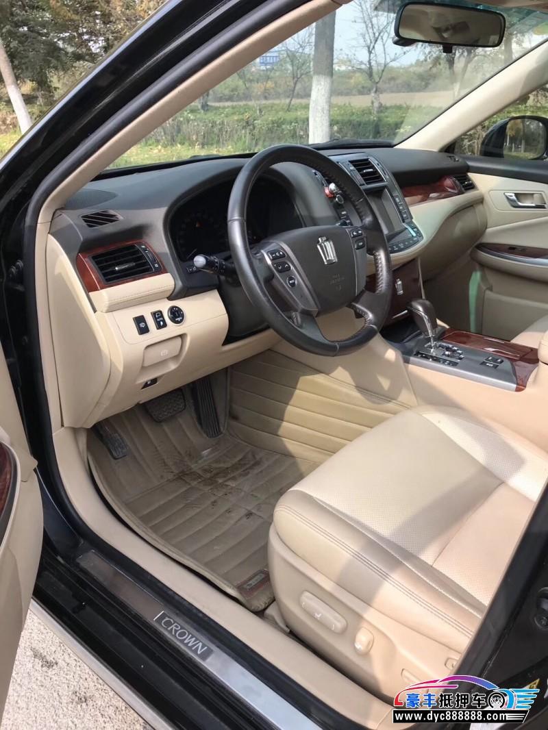 12年丰田皇冠轿车抵押车出售