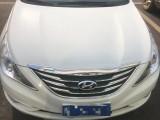 抵押车出售14年现代索纳塔八轿车