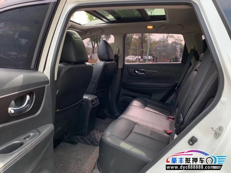 抵押车出售18年日产奇骏SUV