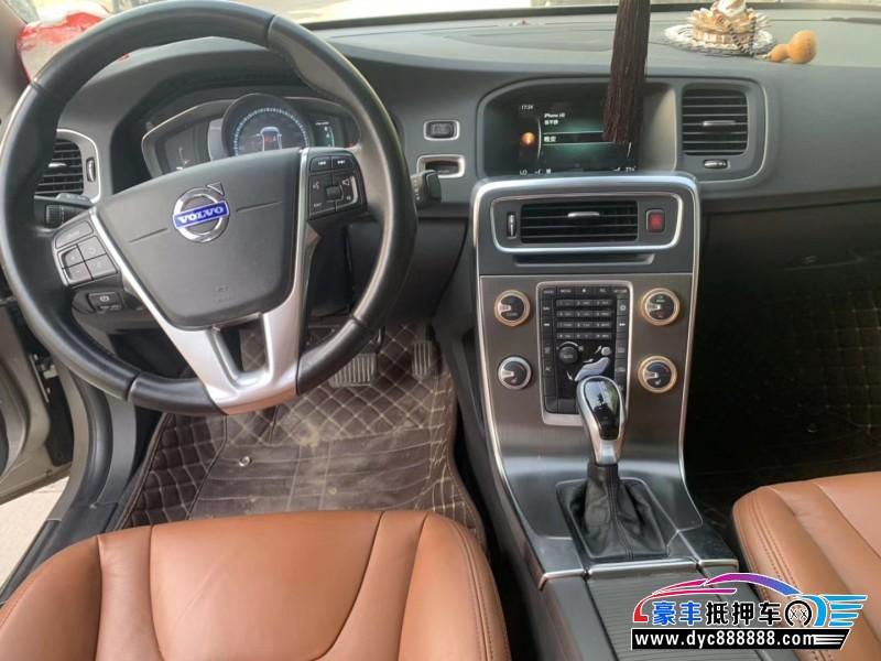 14年沃尔沃S60轿车抵押车出售
