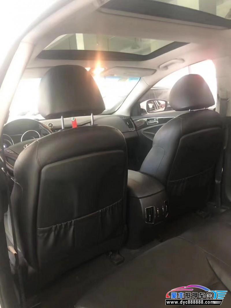 14年现代索纳塔八轿车抵押车出售