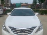 抵押车出售13年现代索纳塔八轿车