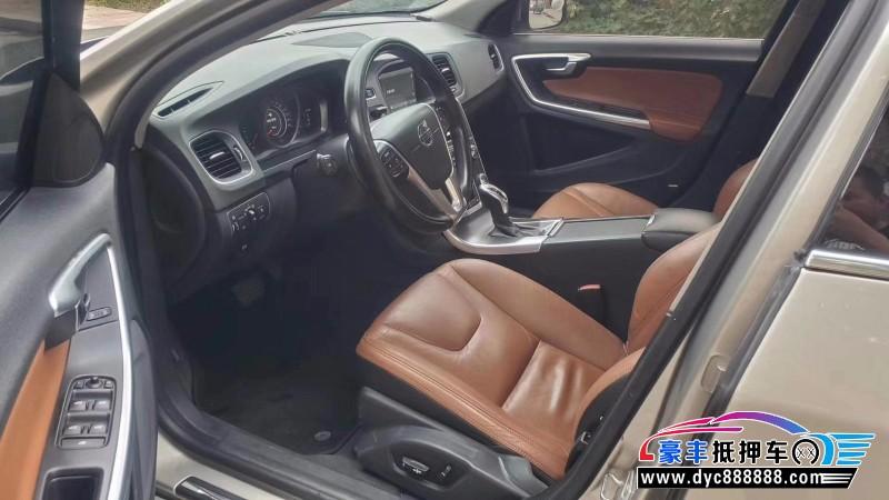 抵押车出售14年沃尔沃S60轿车
