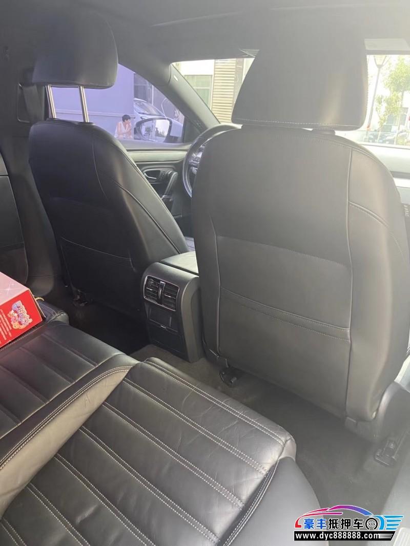 抵押车出售15年大众CC轿车