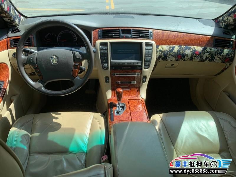06年丰田皇冠轿车抵押车出售