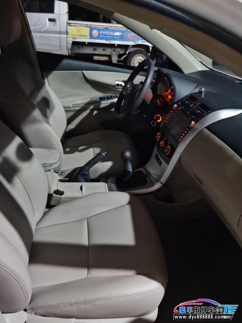 抵押车出售14年丰田卡罗拉轿车