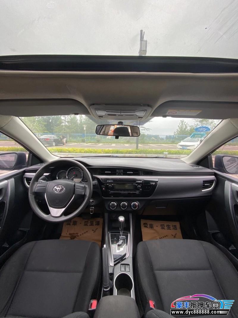 抵押车出售15年丰田雷凌轿车
