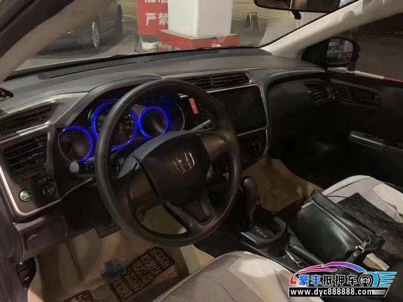 抵押车出售17年本田锋范轿车