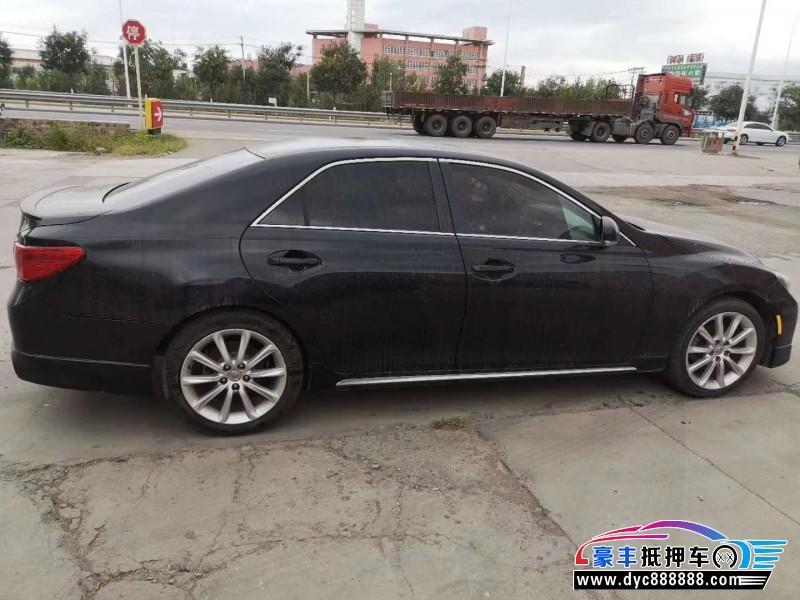 抵押车出售12年丰田锐志轿车