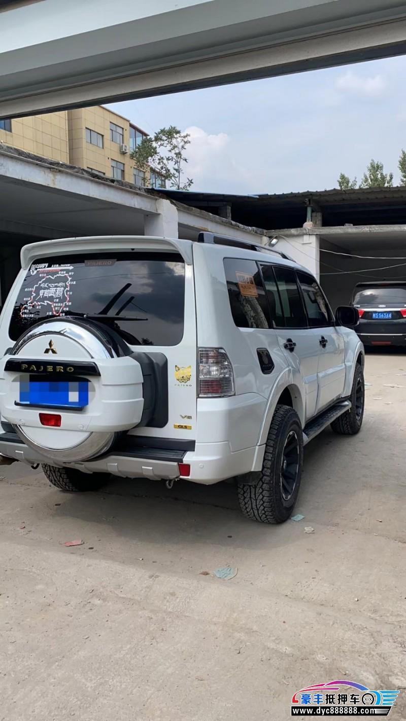 抵押车出售12年三菱帕杰罗SUV