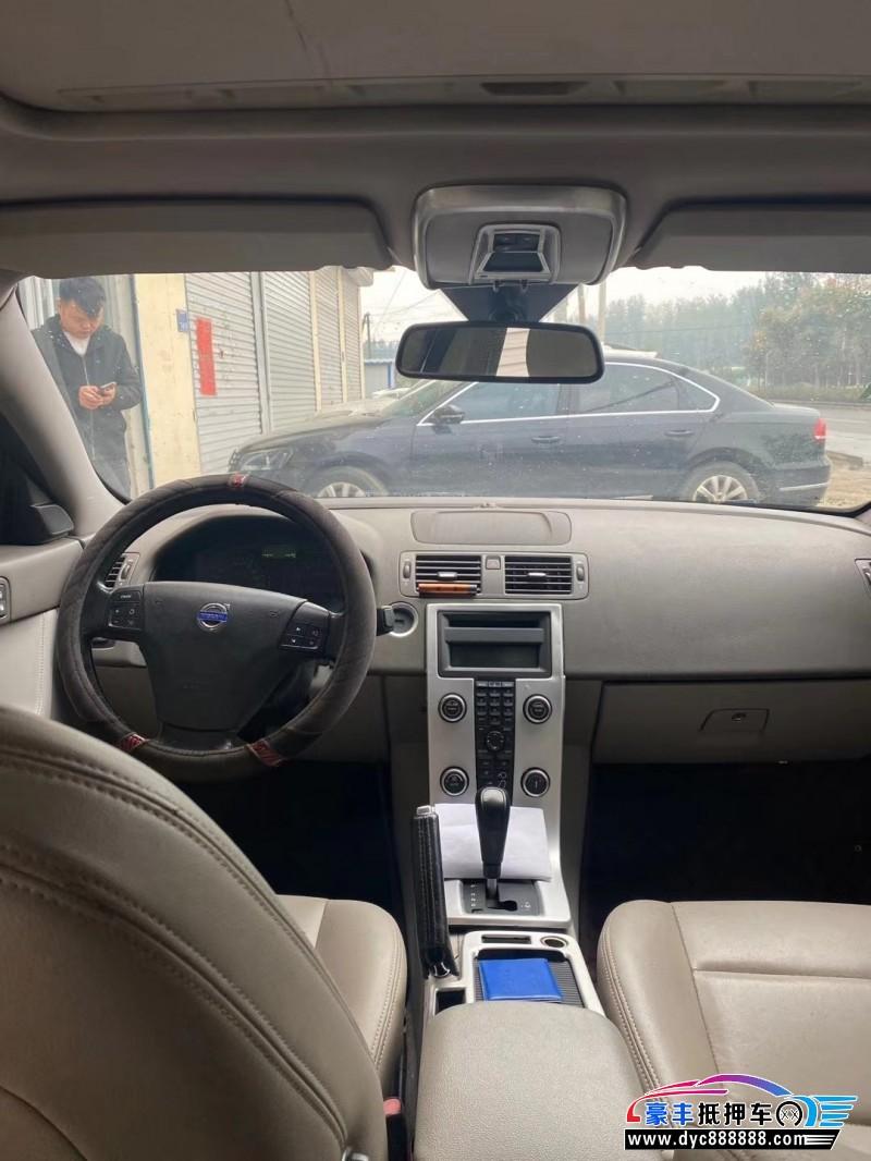 抵押车出售11年沃尔沃S40轿车