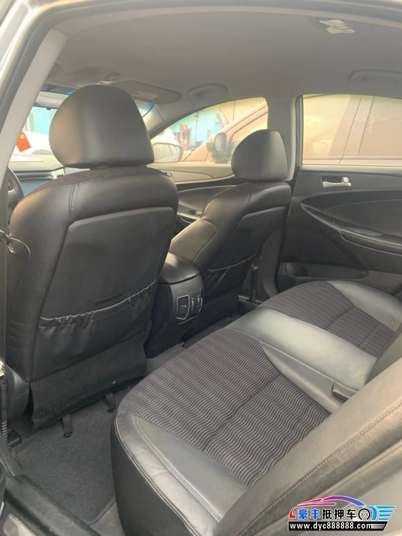 抵押车出售11年现代索纳塔八轿车