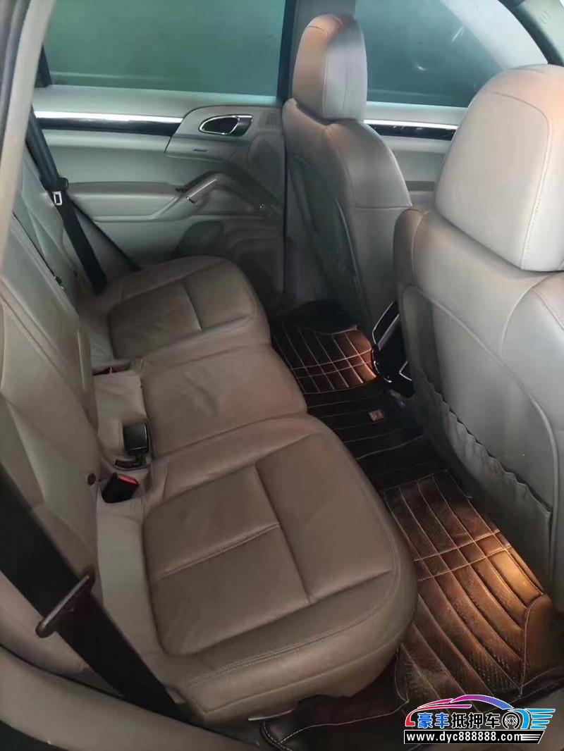 抵押车出售13年保时捷卡宴SUV