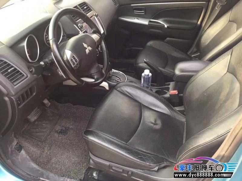 抵押车出售14年三菱劲炫SUV