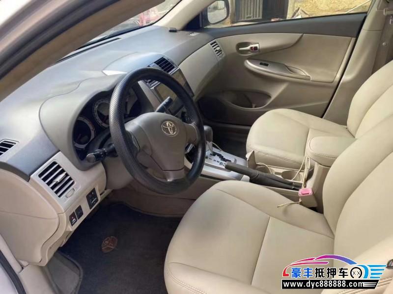 10年丰田卡罗拉轿车抵押车出售