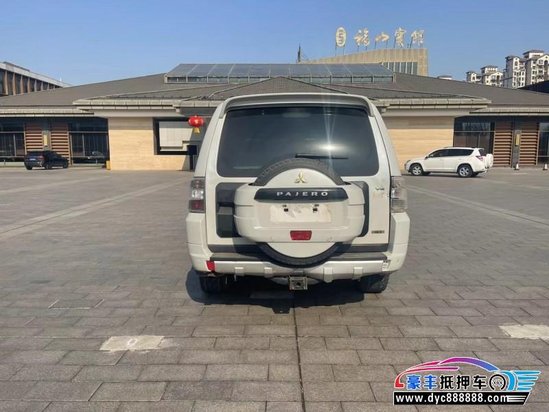 14年三菱帕杰罗SUV抵押车出售