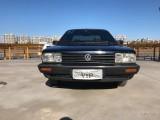 抵押车出售12年大众桑塔纳轿车