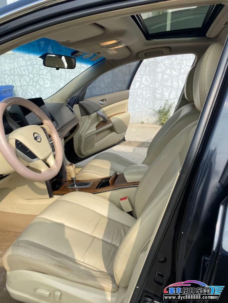 抵押车出售12年日产天籁轿车