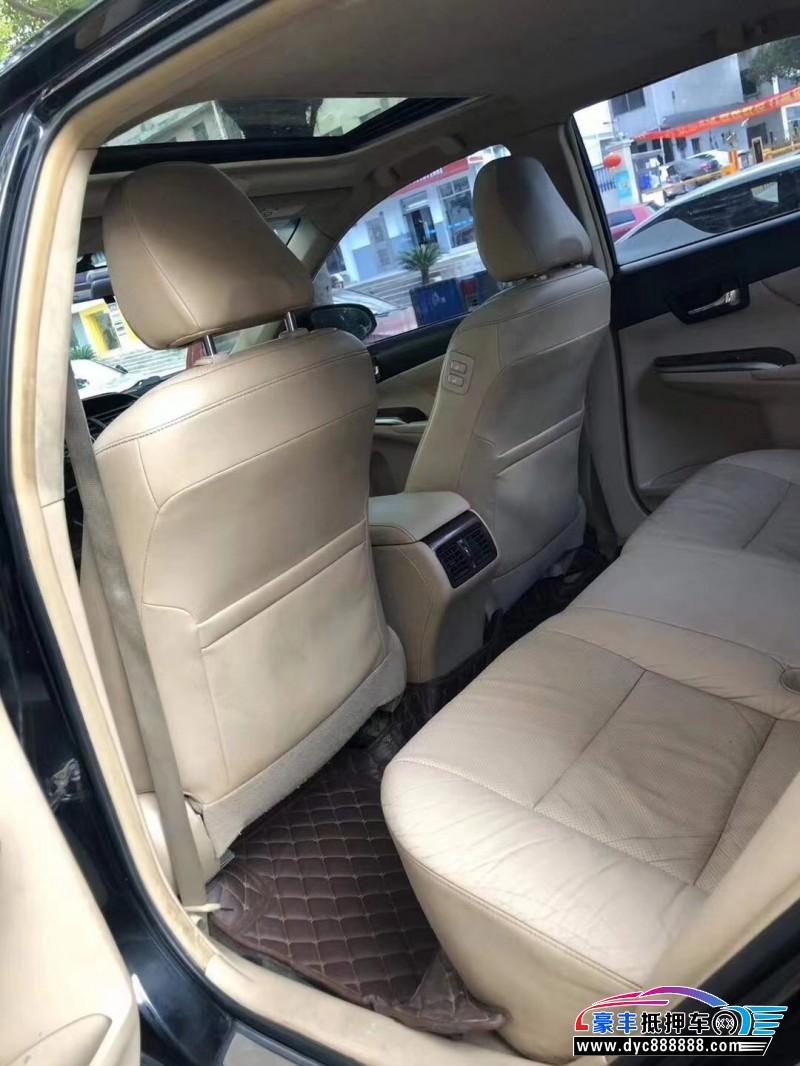 抵押车出售12年丰田凯美瑞轿车