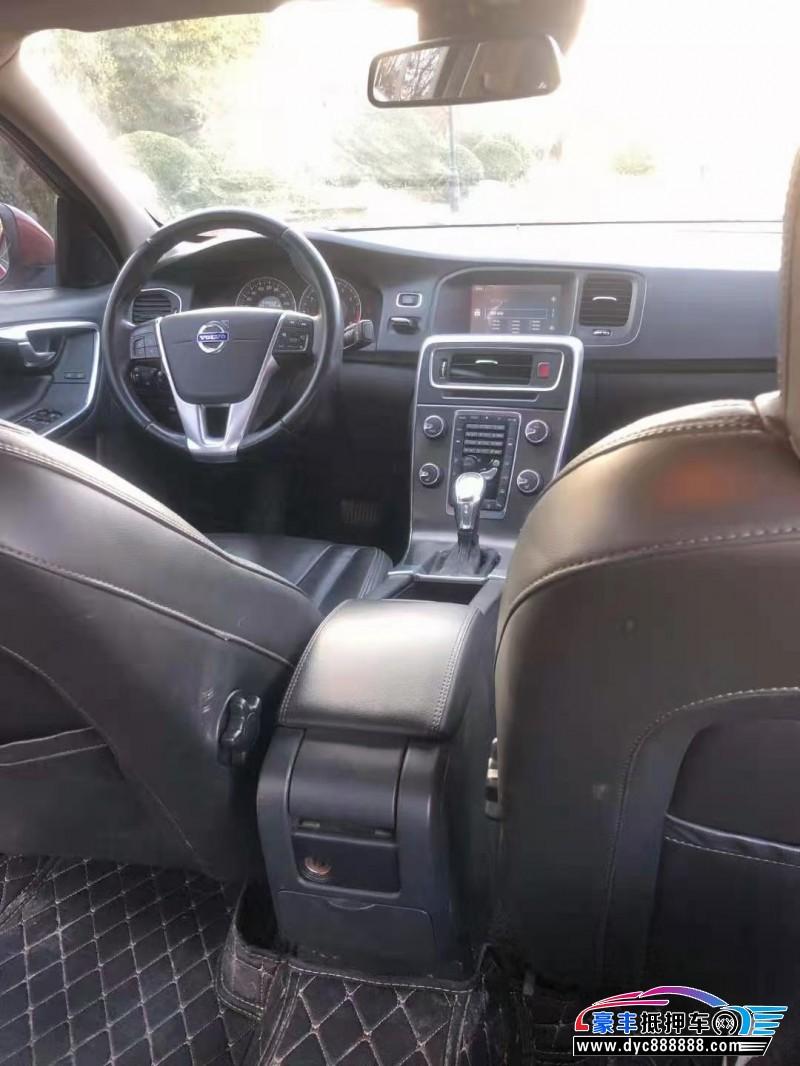 抵押车出售13年沃尔沃S60轿车