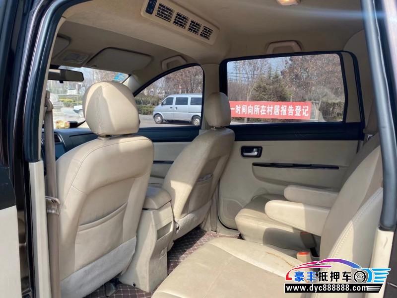 17年东风风光370SUV抵押车出售