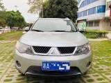 抵押车出售09年三菱欧蓝德SUV