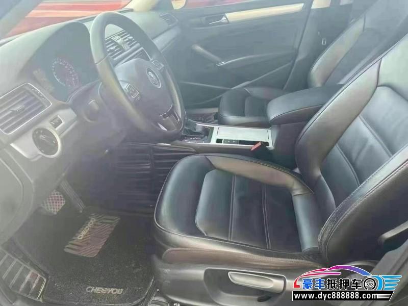 抵押车出售16年大众帕萨特轿车