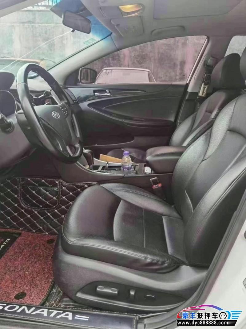 抵押车出售15年现代索纳塔八轿车
