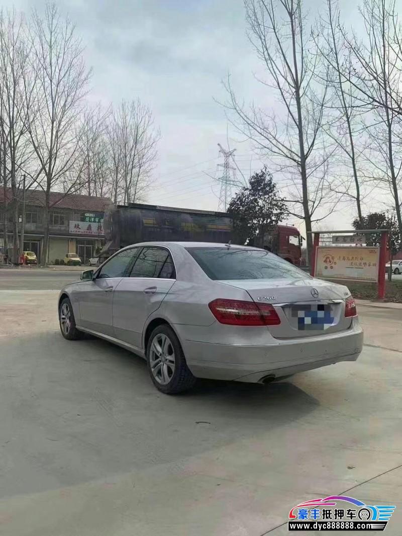 10年奔驰E轿车抵押车出售