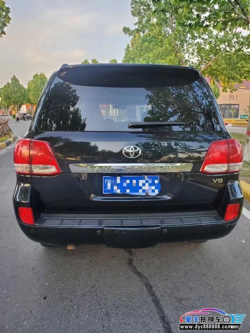 抵押车出售10年丰田兰德酷路泽轿车