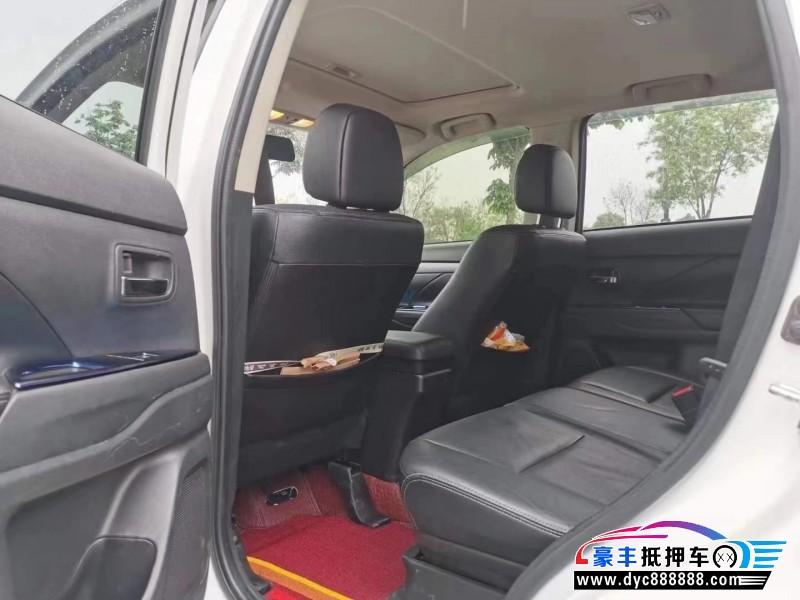 15年三菱欧蓝德SUV抵押车出售